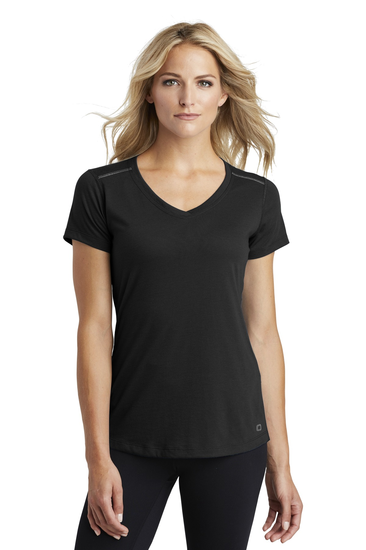 OGIO  ®  ENDURANCE Ladies Peak V-Neck Tee. LOE337 - Blacktop
